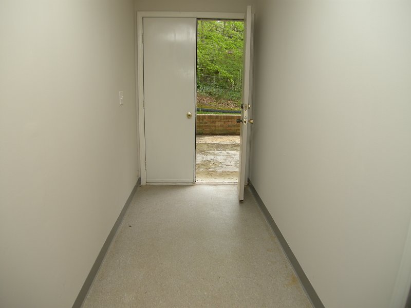 basement_hall_3.jpg